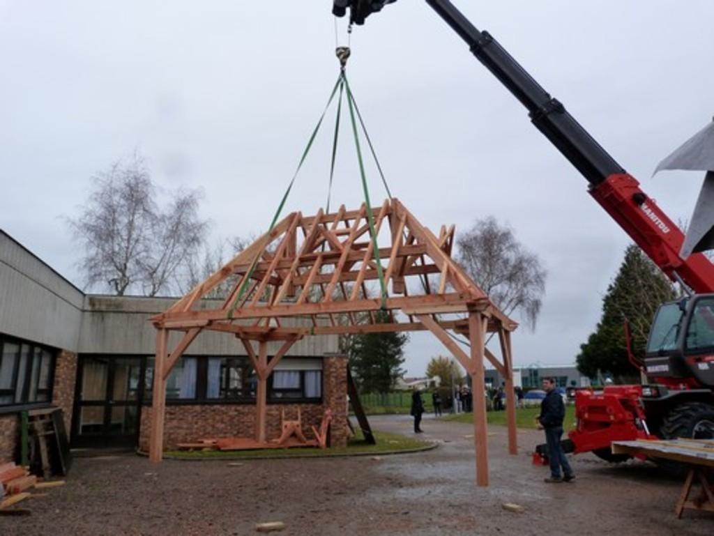 Bac Pro Constructeur Bois > Lycée George Sand La Ch u00e2tre Animation spectaculaire pour les Portes Ouvertes 2014